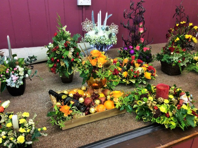 Flower arranging led by Lynne December 2017 - photo 3