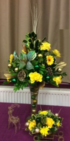 Flower arranging led by Lynne Demonstration December 2018 - photo 1