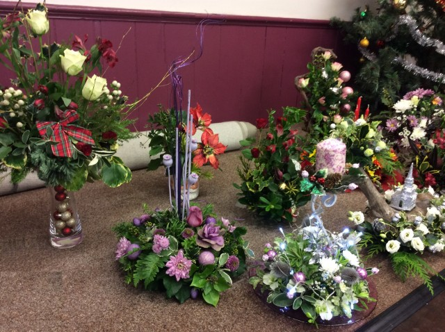 Flower arranging led by Lynne December 2018 - photo 6